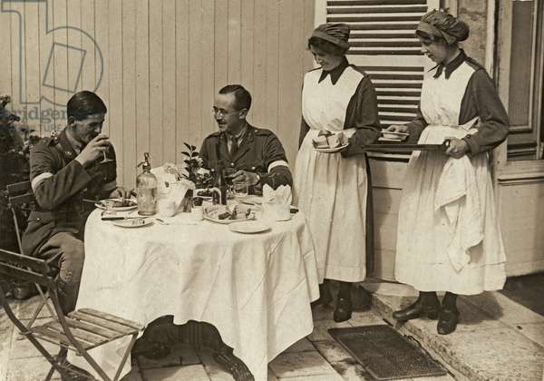 Work of the W.A.A.C. on the British front in France, waitresses in an officers' club, 1914-18 (b/w photo)