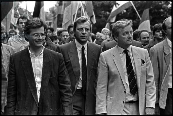 Christoph Boehr, Eberhard Diepgen and Klaus Ruediger Landowsky at a CDU rally protesting about the 25th anniversary of the building of the Berlin Wall, 1986 (b/w photo)
