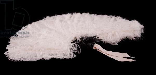White ostrich feather fan, c.1880-85 (ostrich feathers, tortoiseshell, mother of pearl & silk ribbon)