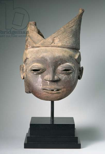 Osugbo head, Ijebu-Yoruba, Nigeria, possibly 18th or 19th century (terracotta)