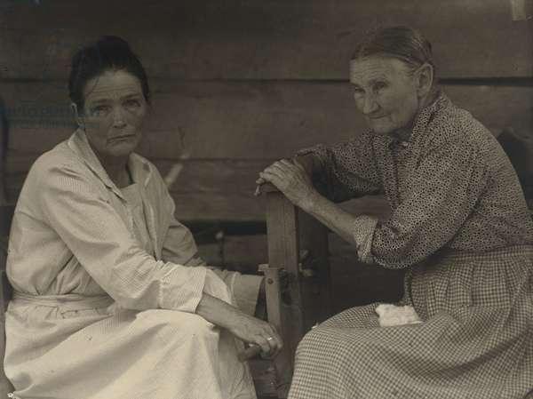 "[Arminda ""Aunt Mindy"" Anderson Curtis, and friend], 1930-1934 (platinum print)"