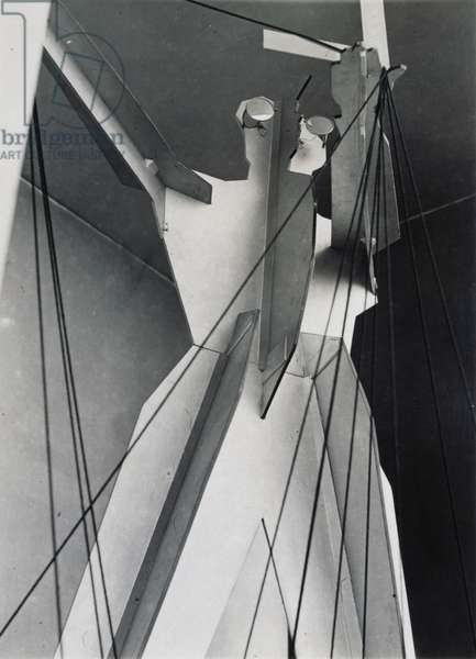 Sculpture at Pressa, Cologne, 1928 (gelatin silver photograph)