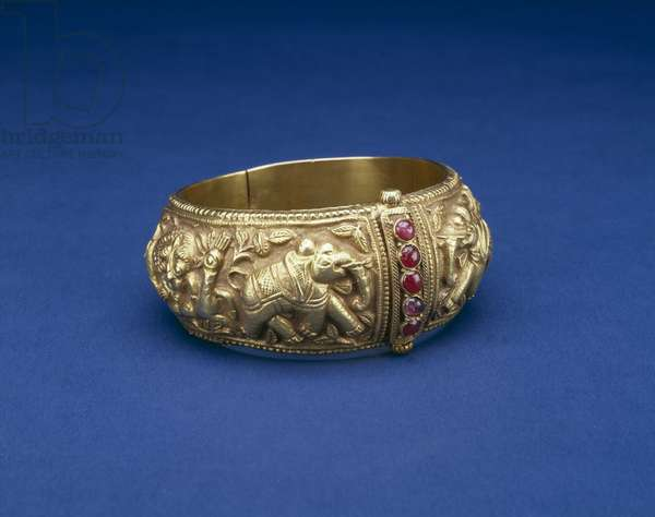 Bracelet (valai), 19th century (embossed gold with rubies)