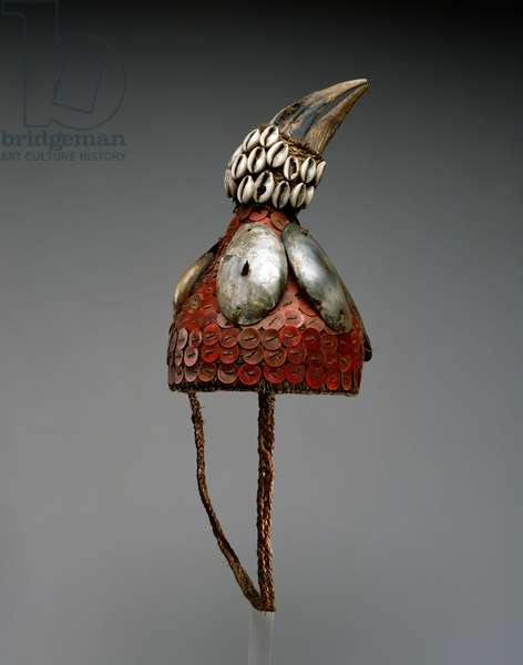 Hat with hornbill skull, Kinshasa, Zaire, 1925-50 (plant fibre, plastic discs, shells, hornbill skull and cotton cloth)