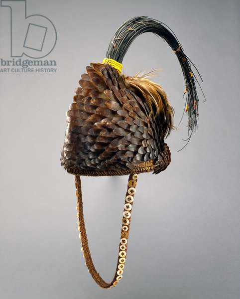 Hat with pangolin skin (Bwami Society), Kinshasa, Zaire, 1925-50 (plant fibre, animal skin, elephant hair, glass and feathers)