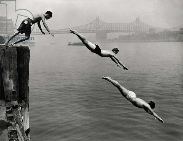 Divers, East River, 1948 (gelatin silver print; printed later)
