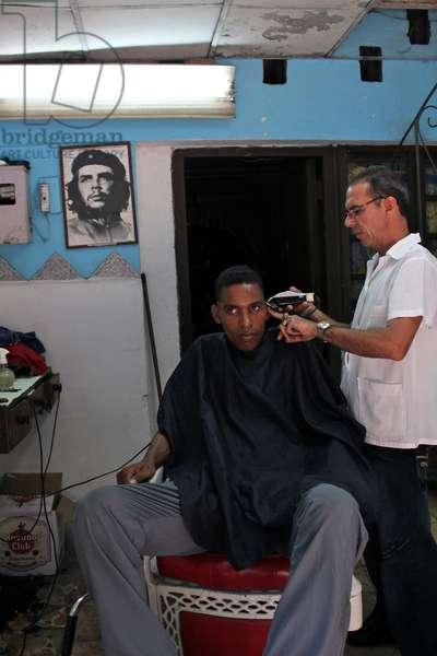 Barbershop, Havana, Cuba (photo)