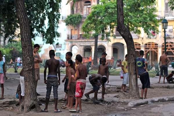 Kids on the street, Havana, Cuba (photo)