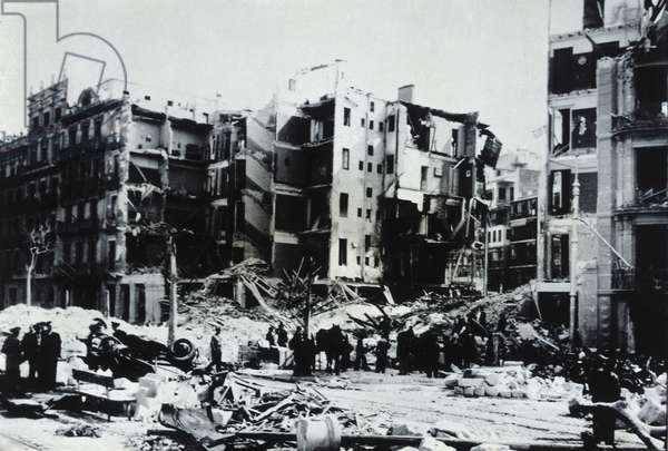 Spanish Civil War (1936-1939): Bombardment of Barcelona, 17th-18th March 1938 (b/w photo)