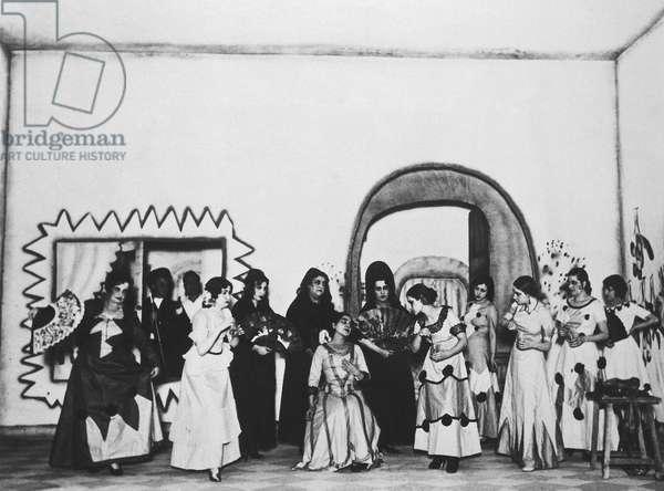 """Representation of """""""" La zapatera prodigiosa """""""" (The Prodigious Savetiere) by Federico Garcia Lorca (1898-1936) interpreted by the troupe Margarita Xirgu. Teatro Espanol (Madrid). 24/12/1930. Fundacion Federico Garcia Lorca. Madrid."""