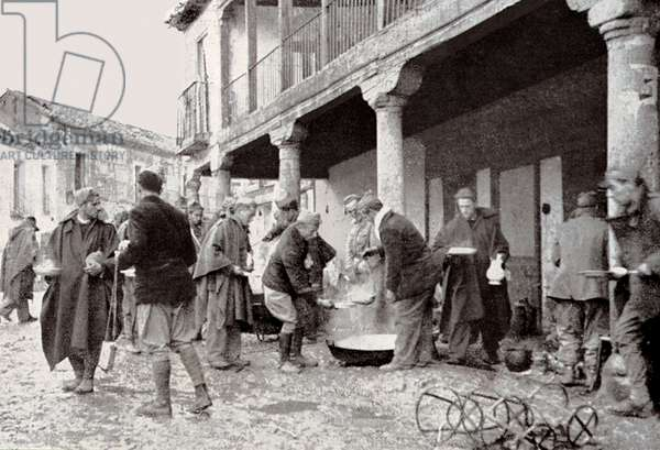 Spanish Civil War (1936-1939): Nationalist troops in Navalcarnero at the time of the mess, November 1936 (photo)
