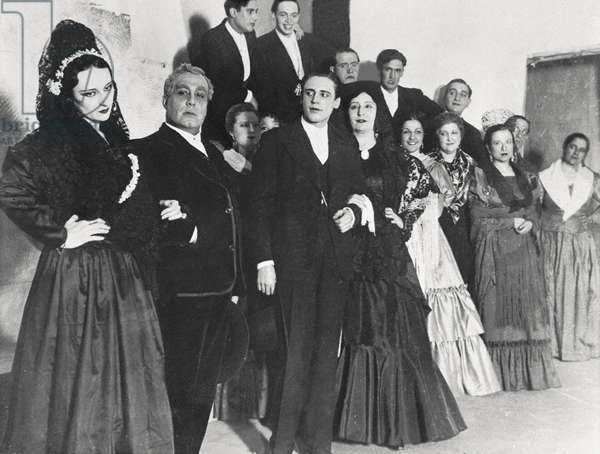 "Premiere of the representation of the """" Blood Wedding """" by Federico Garcia Lorca (1898-1936), in Buenos Aires on October 25 of 1933. The theatre troupe. On the front line, the 4th character is the Argentine actress Lola Membrives (1888-1969). Photograph preserved at the Federico Garcia Lorca Foundation, Madrid."