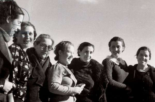 Spanish Civil War (1936-1939): young workers members of the anti-Franco movements (b/w photo)