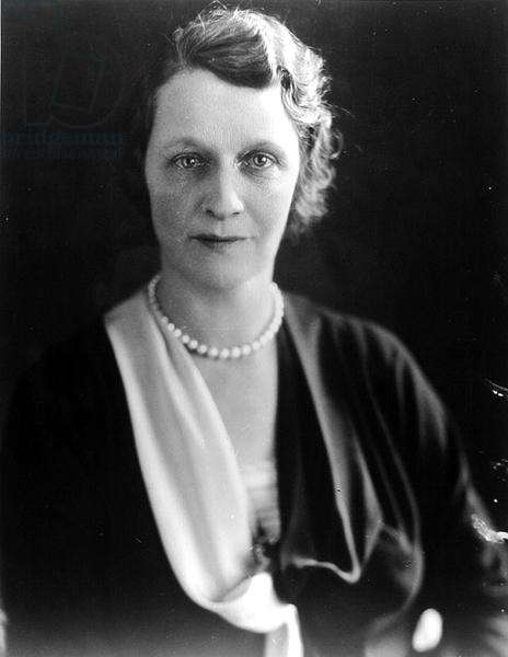 Portrait of Lady Astor, MP (1879-1964) (b/w photo)