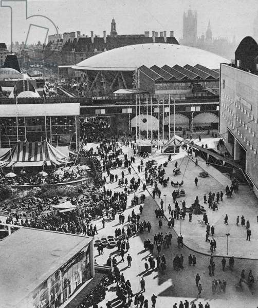 The crowds at Southbank Festival, 1951 (b/w photo)