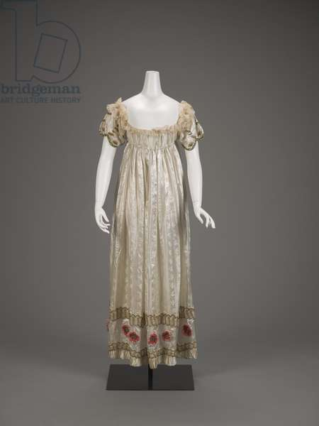 Ball gown, c.1815 (silk, cotton net, chenille yarn & metallic coils)