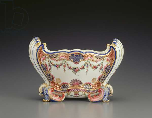 Vase, Cuvette Mahon, Sevres Porcelain Factory, 1760 (soft-paste porcelain, polychrome enamels and gilding) (see 229047 for pair)
