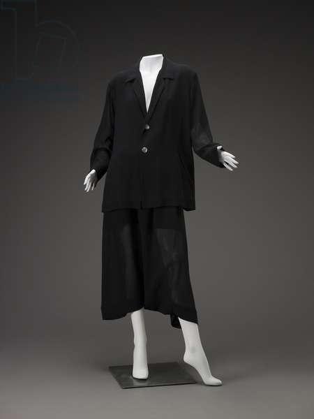 Suit (photo)