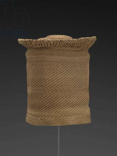 Botolo, Chief's hat (twined raffia)
