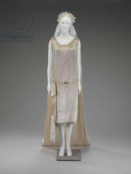 Wedding Dress, Chemise, Train, Veil (photo)