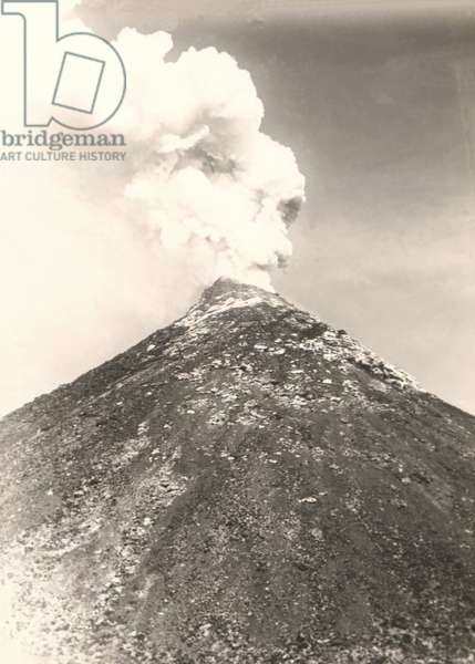 View of the volcano of Etna with eruption crater. Sicily, Italy. Photography around 1895.