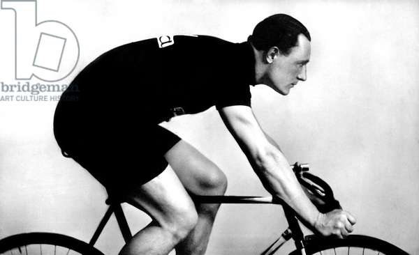 Sport: cyclist. Photography around 1926