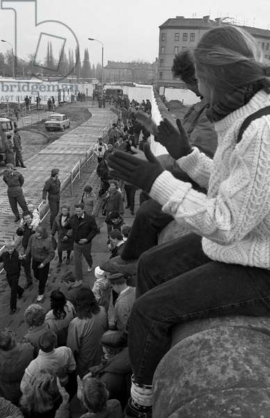 German reunification, Fall of the Berlin Wall, Germany, 1989: free movement of inhabitants