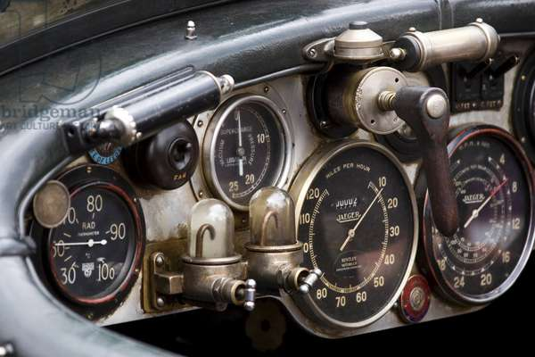 dashboard of an old Bentley, Oldtimer Alpenrallye Kitzbuehel 2007, Austria