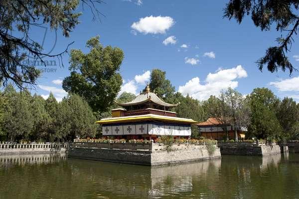 Tibetan Buddhism; temple on the lake in the Norbulingka Park; summer residence of the Dalai Llama; Lhasa; EU-Tsang; Central Tibet; Tibet Autonomous Region; Himalaya Range; People's Republic of China; Asia
