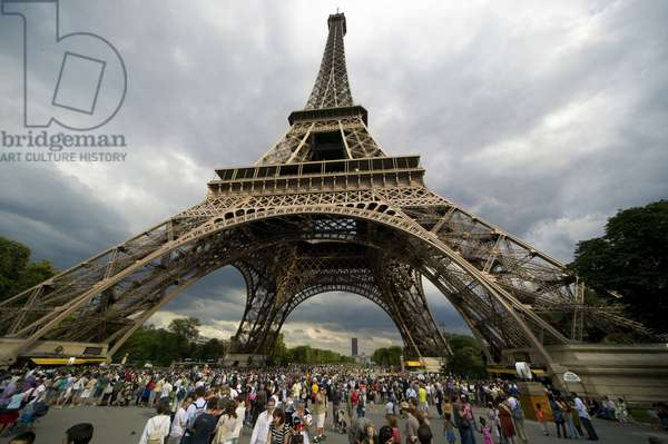 Eiffel Tower, Paris, Ile de France, France