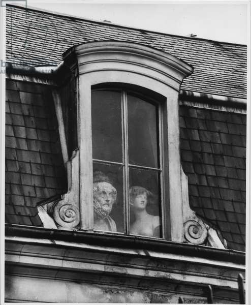 A window on the Quai Voltaire, Paris, 1928 (silver gelatin print)