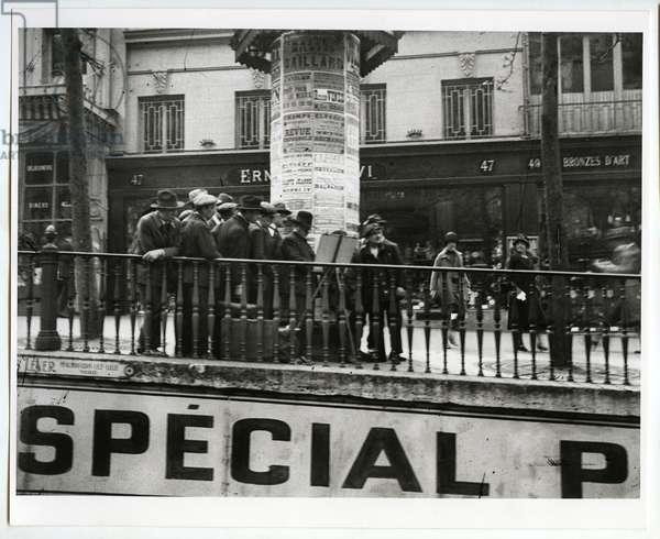 Near the Porte Saint Denis, Paris, 1926 (silver gelatin print)