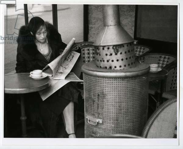 Cafe du Dome, Paris, 1928 (silver gelatin print)