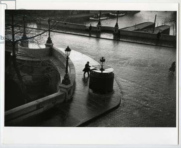 Pont Neuf, Paris, 1931 (silver gelatin print)