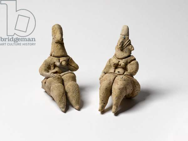 Goddess figurines, from Sha'ar Hagolan, Jordan Valley, c.60th century BC (clay & pigments)