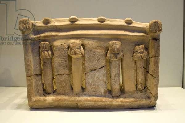 Sacred architecture: model shrine, Yavneh (ceramic)