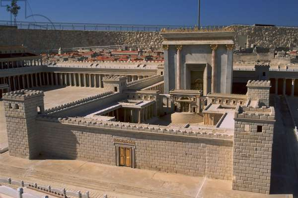 Model reconstruction of Temple Mount in Jerusalem in 66 AD showing the Nicador Gate, Women's Courtyard and temple (photo)