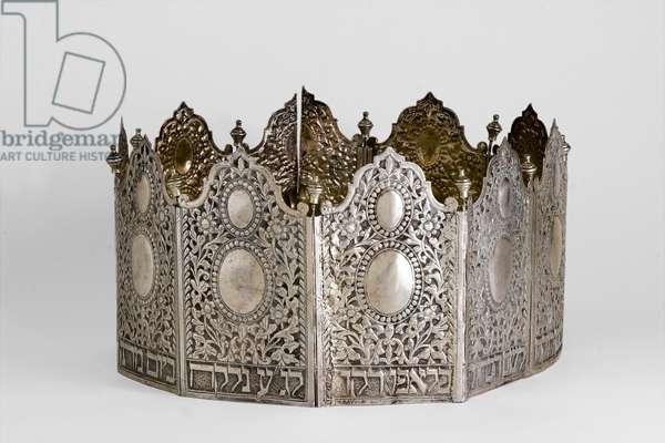Torah crown, Tripoli, 1915 (silver)