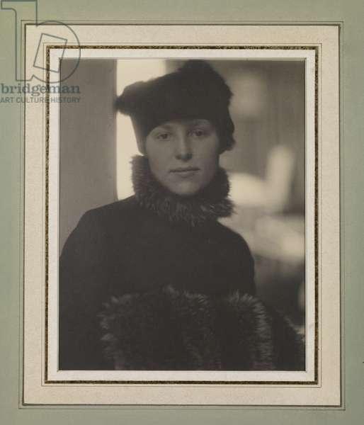 Marie Rapp, 1916 (platinum print)