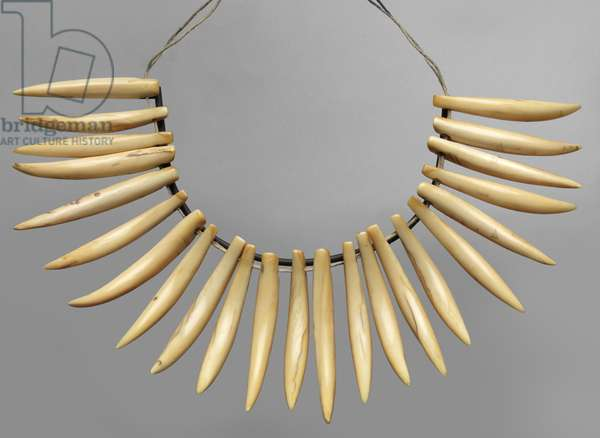 Necklace (wasekaseka) Fiji Islands, late 19th – early 20th century (whale teeth & rope)