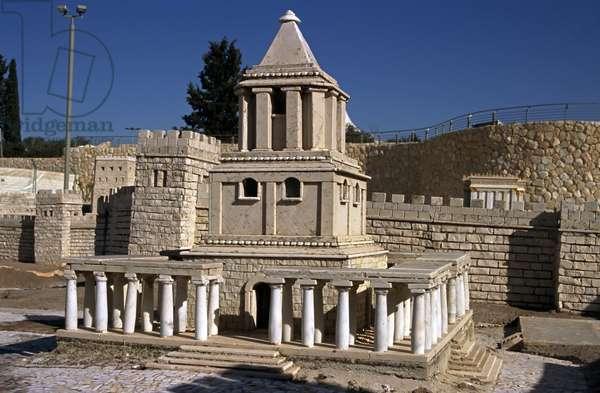 Model reconstruction of the Tomb of John Hyrcanus in Jerusalem in 66 AD (photo)
