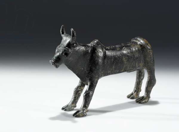 Figurine of a bull, Samaria (bronze)