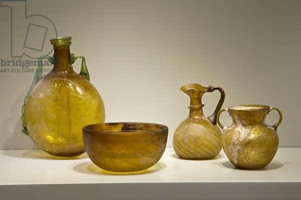 Vessels, Eastern Mediterranean and Yavneh (yellowish glass)