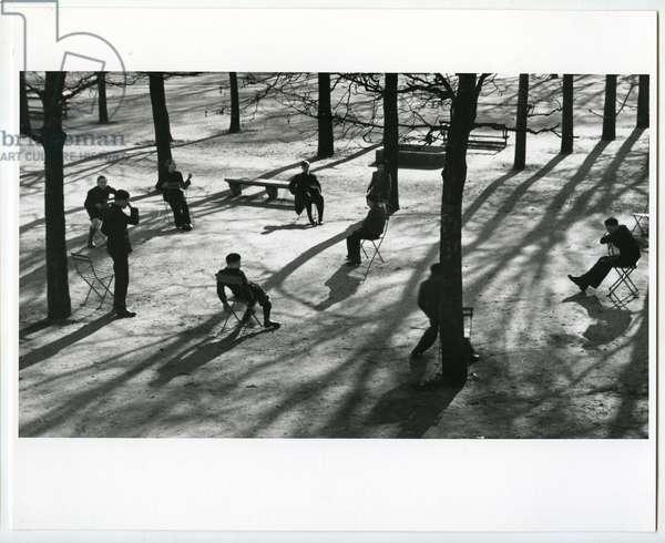 After school in the Tuileries, Paris, 1930 (silver gelatin print)