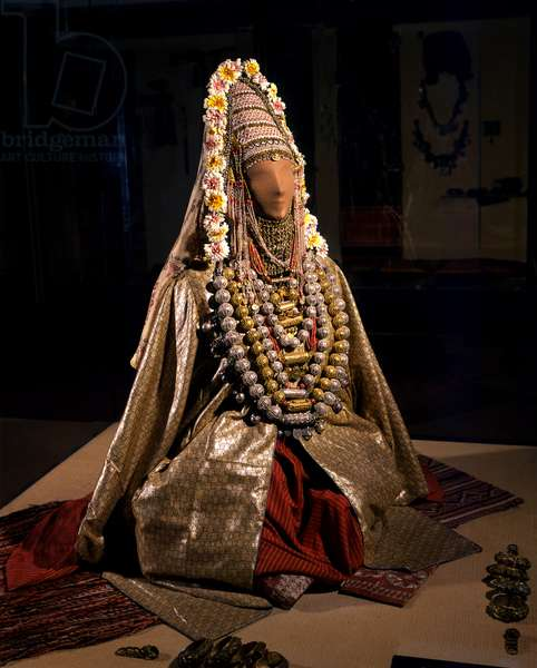 Jewish bride from Sana'a, Yemen, early 20th century (silk, flowers, silver, coral & pearls)