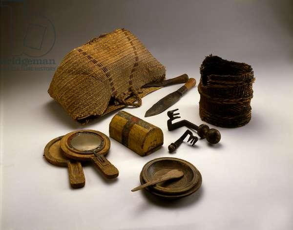 Women's effects, Cave of the Letters, Judean Desert, Roman period 132-135 CE (iron, wood, wicker, twigs & asphalt, copper & tin)