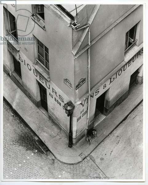 Au Bon Coin, Paris, 1929 (silver gelatin print)