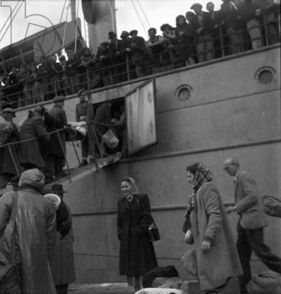 Leaving Cyprus, 1949 (b/w photo)