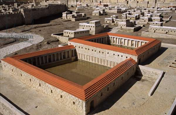 Model reconstruction of the Pool of Bethesda in Jerusalem in 66 AD (photo)