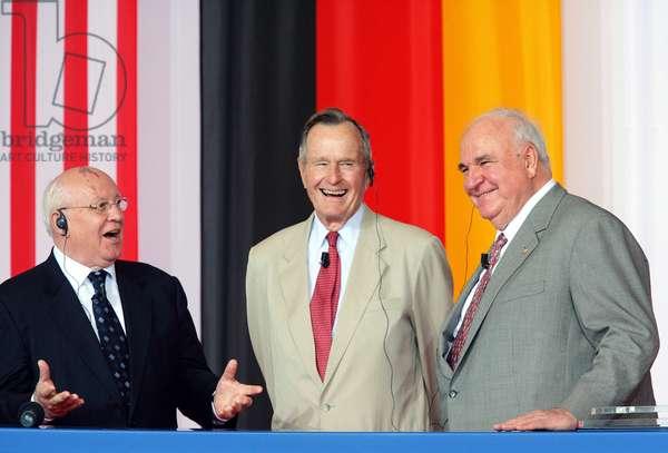 Mikhail Gorbatchev, George Bush et Helmut Kohl